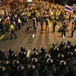 Оппозиция в Таиланде назначила награду за задержание премьера