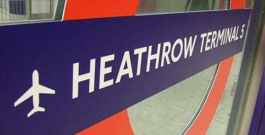 В Хитроу отменили почти 300 рейсов