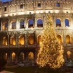 Рождественская ель в Риме зажигается по желанию прохожих