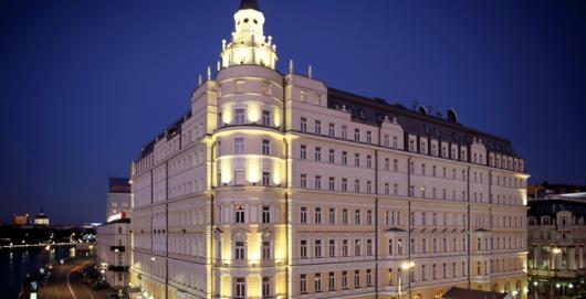 Гостиницы в Москве снизили цены на новогодние праздники