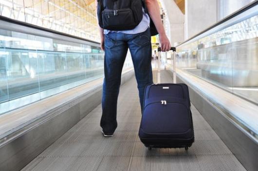 Берлинцы пожаловались на туристов с чемоданами на колесиках