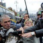 Беспорядки в Киеве приводят к массовому задержанию