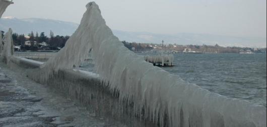 Ледяной дождь в Москве повышает опасность на дорогах