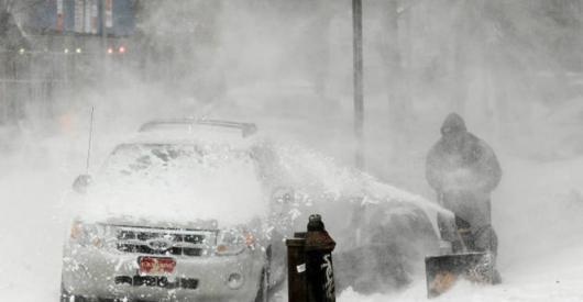 Снежная буря в США превращается в национальное бедствие