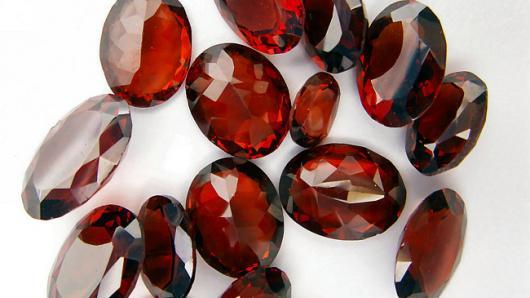 Выставка фальшивых драгоценностей открылась в Праге