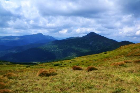 Пропавших в горах Украины туристов нашли
